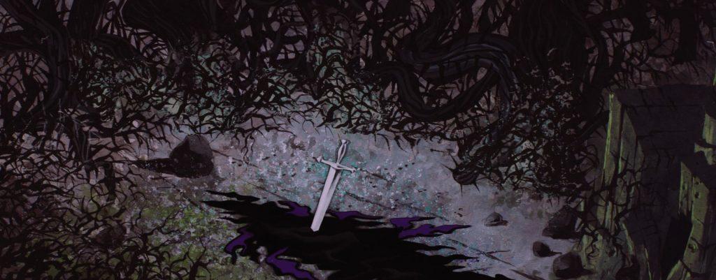 La spada lanciata da Flora sconfigge Malefica.