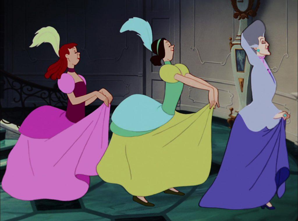 """Le sorellastre e la matrigna nel classico Disney """"Cenerentola"""" (1950)"""